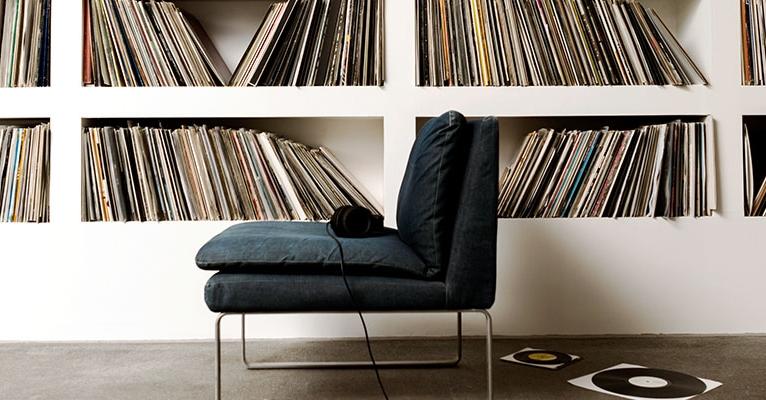 Vinyl-Platten im Regal